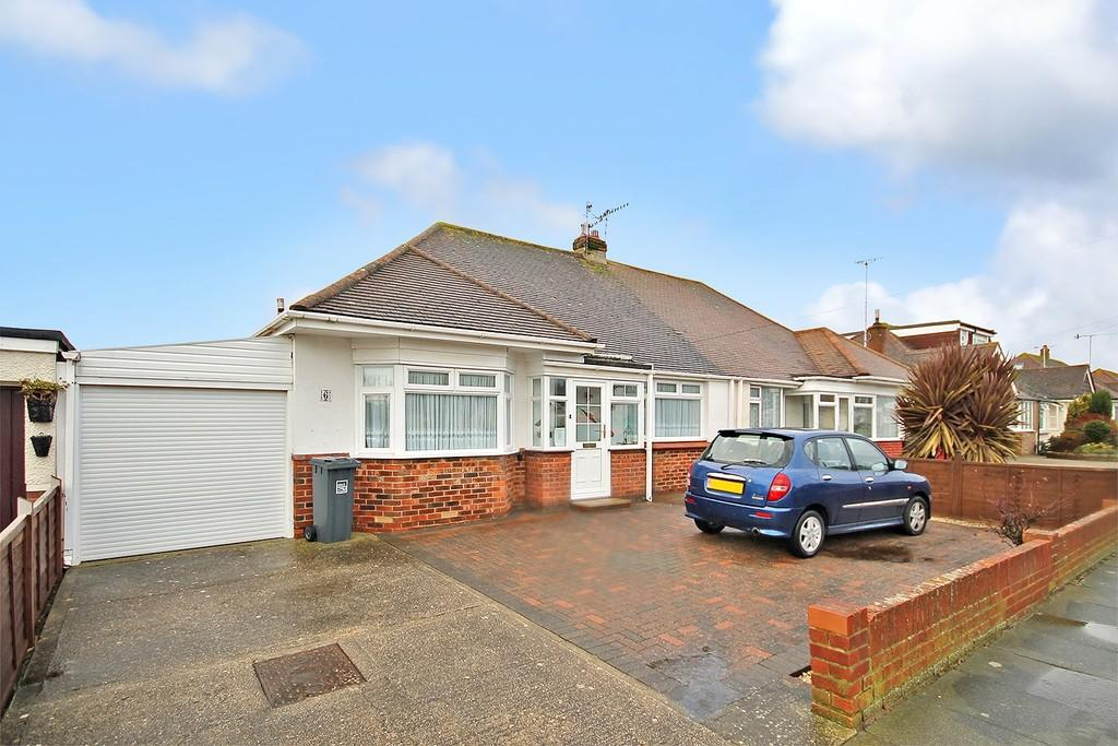 2 Bedrooms Semi Detached Bungalow for sale in Greet Road, Lancing, BN15 9NT