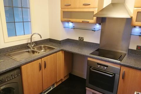 2 bedroom flat to rent - Admirals House, Gisors Road, PO4 8GY