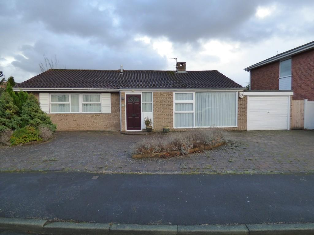 2 Bedrooms Detached Bungalow for sale in Greenwich Drive, Lytham St. Annes