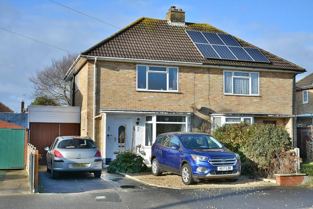 2 Bedrooms Semi Detached House for sale in Wilverley Avenue, Bournemouth