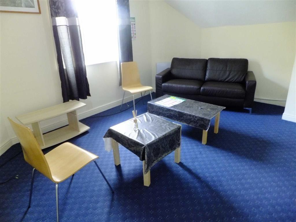 2 Bedrooms Flat for rent in 276 Dickinson Road, Longsight
