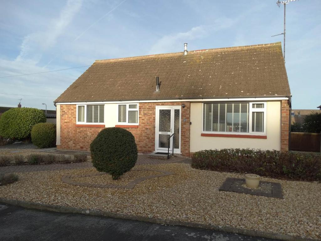 2 Bedrooms Detached Bungalow for sale in 4 Princess Avenue, Rhos on Sea, LL28 4UT