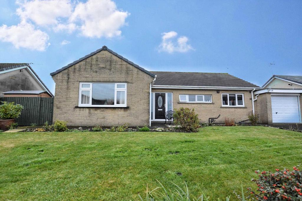 3 Bedrooms Detached Bungalow for sale in Pagefield Crescent, Clitheroe, Lancashire, BB7