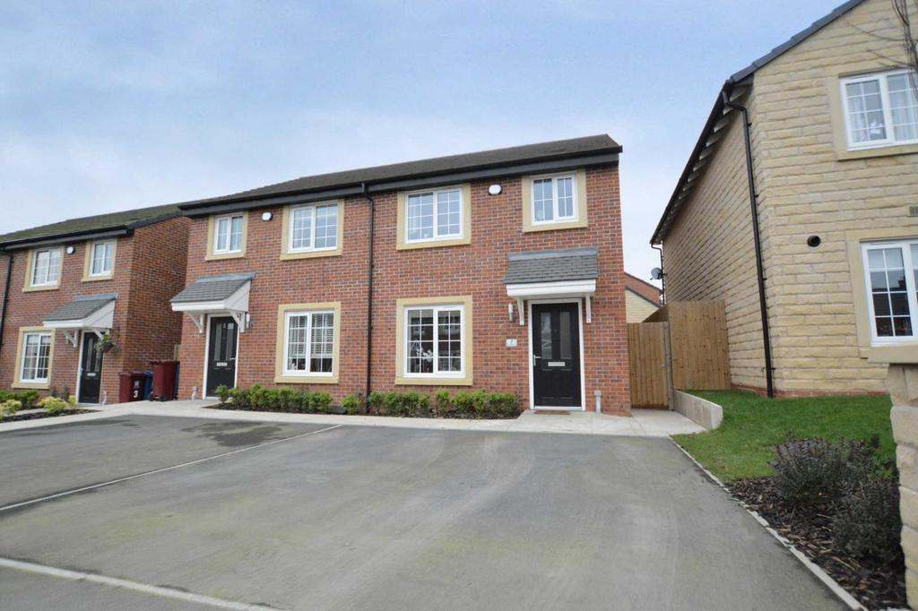 3 Bedrooms Semi Detached House for sale in Croal Road, Clitheroe, Lancashire, BB7