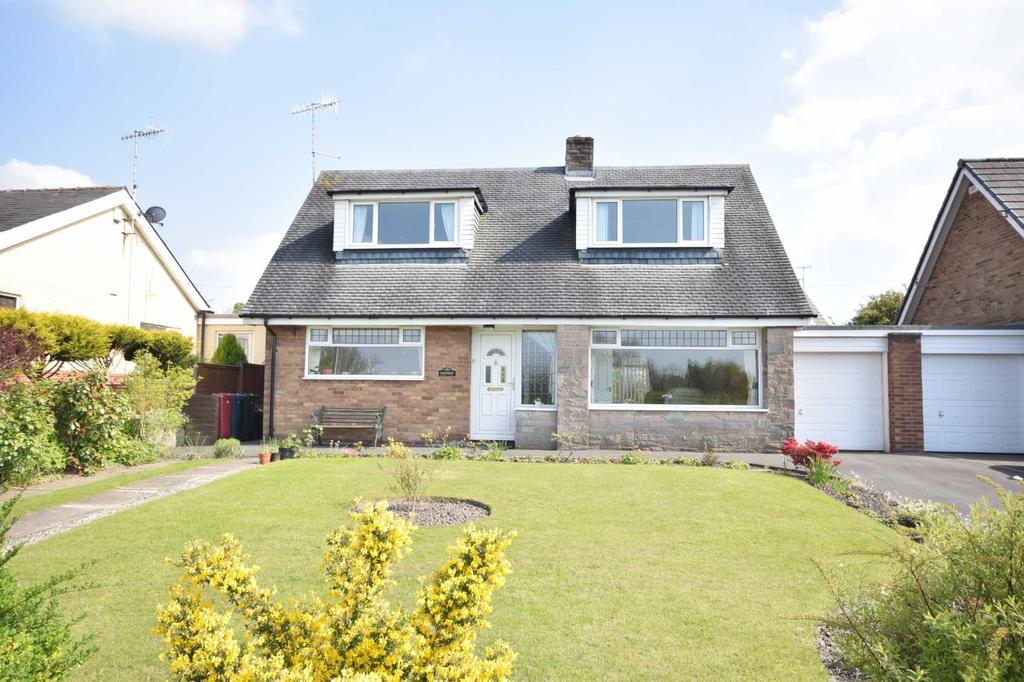 3 Bedrooms House for sale in Longsight Road, Copster Green, Blackburn, BB1