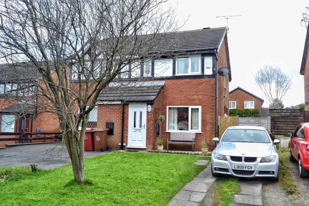 2 Bedrooms Semi Detached House for sale in Margaret Street, Blackburn, BB1