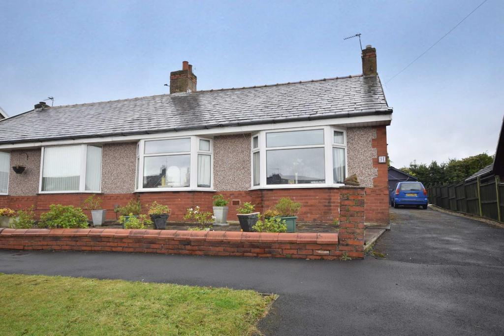 2 Bedrooms Semi Detached Bungalow for sale in Waverley Road, Ramsgreave, Blackburn, BB1