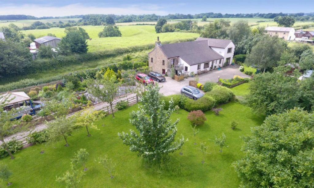 5 Bedrooms Equestrian Facility Character Property for sale in Preston Road, Ribchester, PR3