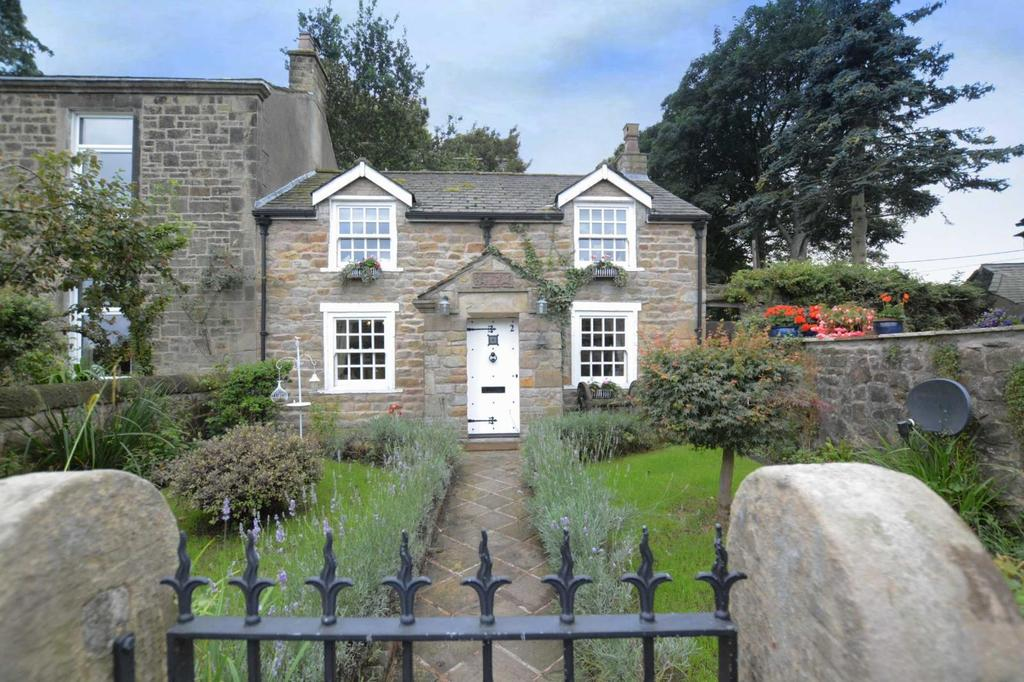 3 Bedrooms House for sale in Church Street, Ribchester, Lancashire, PR3