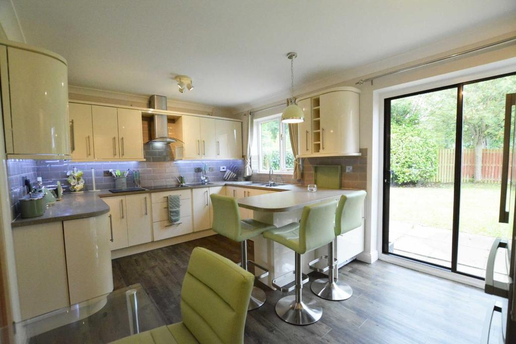 3 Bedrooms Detached House for sale in The Dales, Langho, BB6