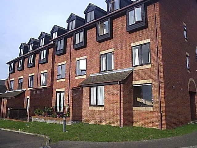 1 Bedroom Flat for rent in Rectory Road, Rushden NN10