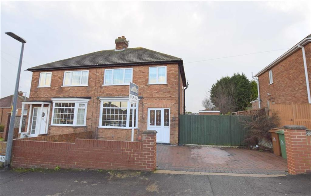 3 Bedrooms Semi Detached House for sale in Craithie Road, Cleethorpes, North East Lincolnshire