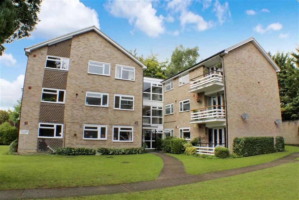 3 Bedrooms Flat for sale in Weyver Court, St Albans, Hertfordshire