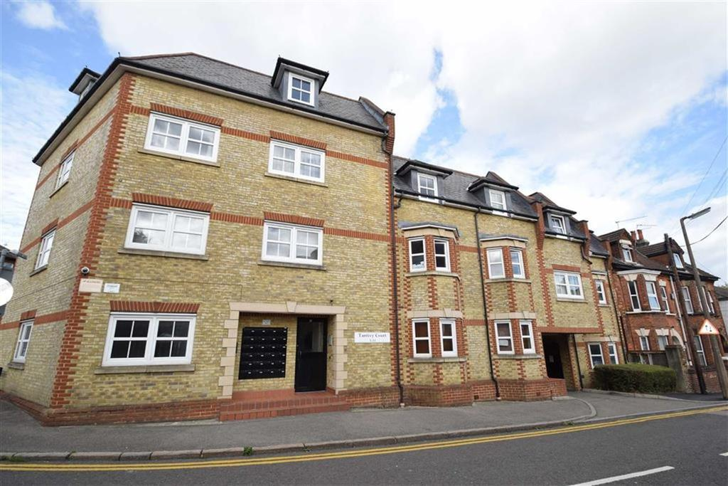 2 Bedrooms Apartment Flat for sale in Tantivy Court, Watford, Herts