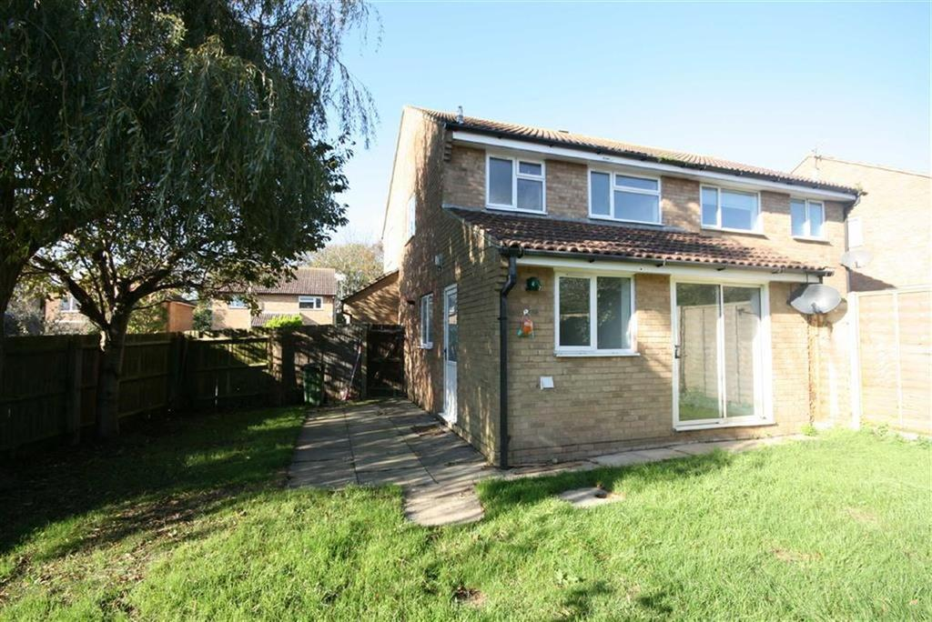 3 Bedrooms Semi Detached House for sale in Hairpin Croft, Peacehaven