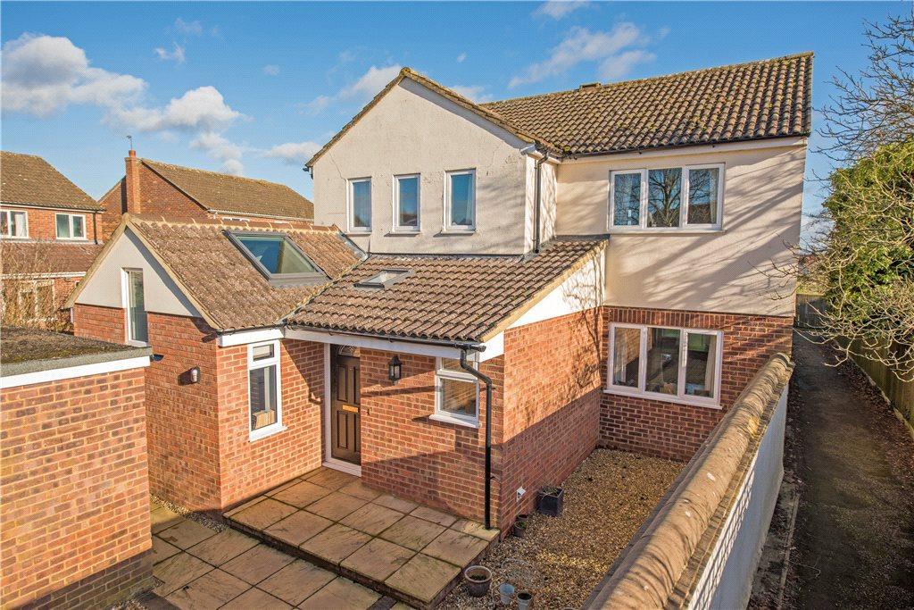 4 Bedrooms Detached House for sale in Sheerstock, Haddenham, Aylesbury, Buckinghamshire