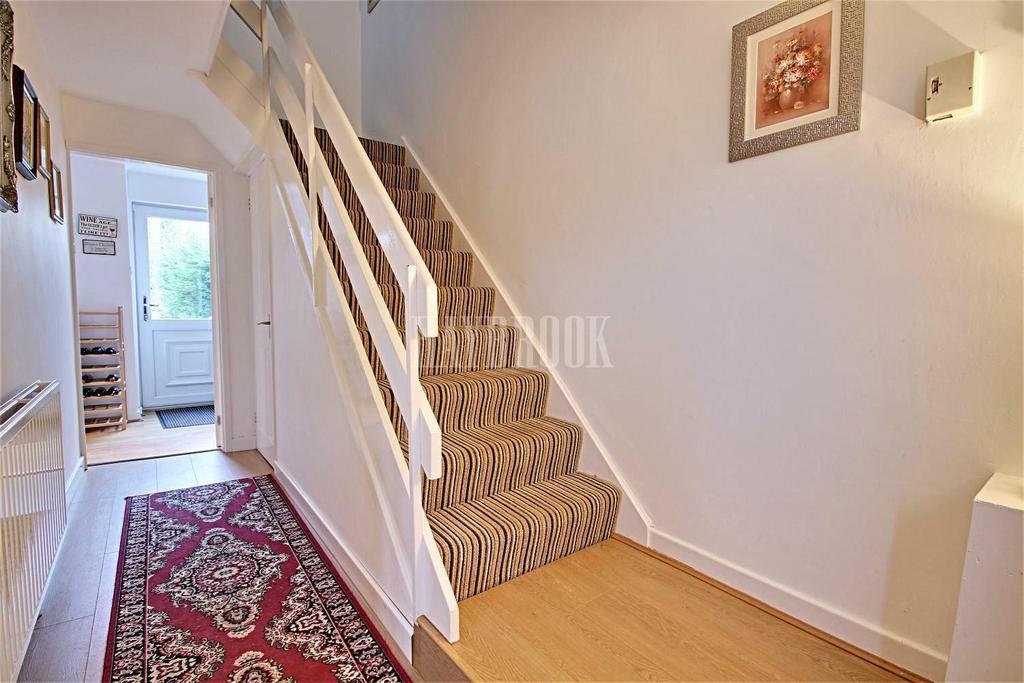 3 Bedrooms Terraced House for sale in Muirfield Avenue, Swinton