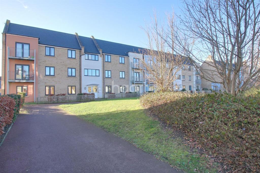 2 Bedrooms Flat for sale in Aster Way, Cambridge