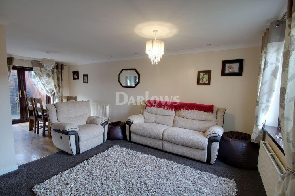 4 Bedrooms Semi Detached House for sale in Forest View, Mountan Ash