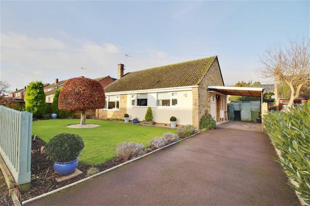 3 Bedrooms Detached Bungalow for sale in Johnstone Road, Newent, Gloucestershire