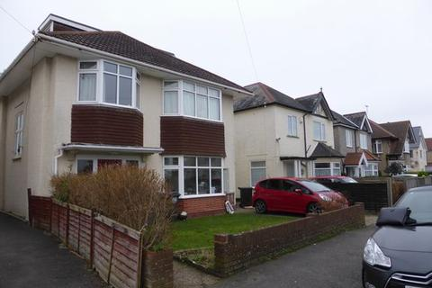 Studio to rent - SOUTHBOURNE