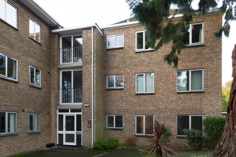 1 Bedroom Apartment Flat for sale in Newcombe Court, 300 Woodstock Road, Oxford, Oxfordshire