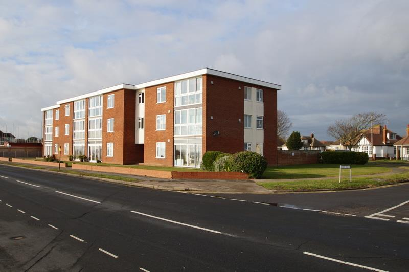 2 Bedrooms Flat for sale in Holland-on-Sea, CLACTON-ON-SEA, Essex
