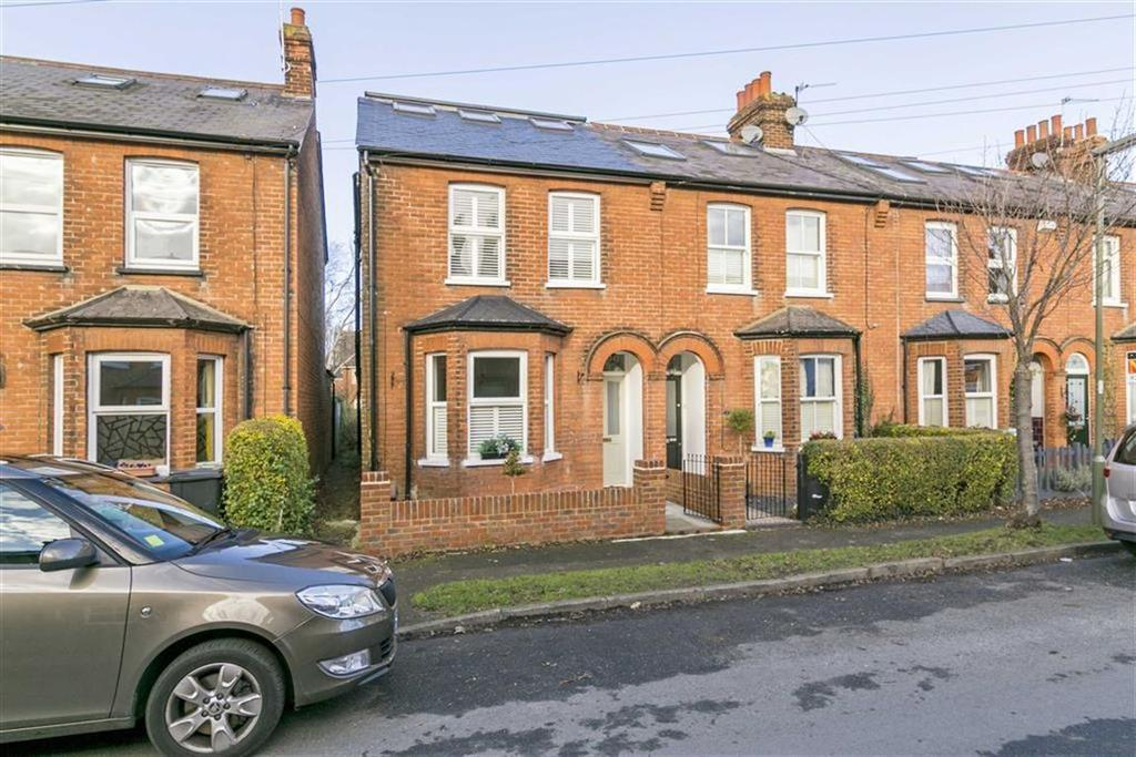 4 Bedrooms End Of Terrace House for sale in Oakdale Road, West Ewell, Surrey