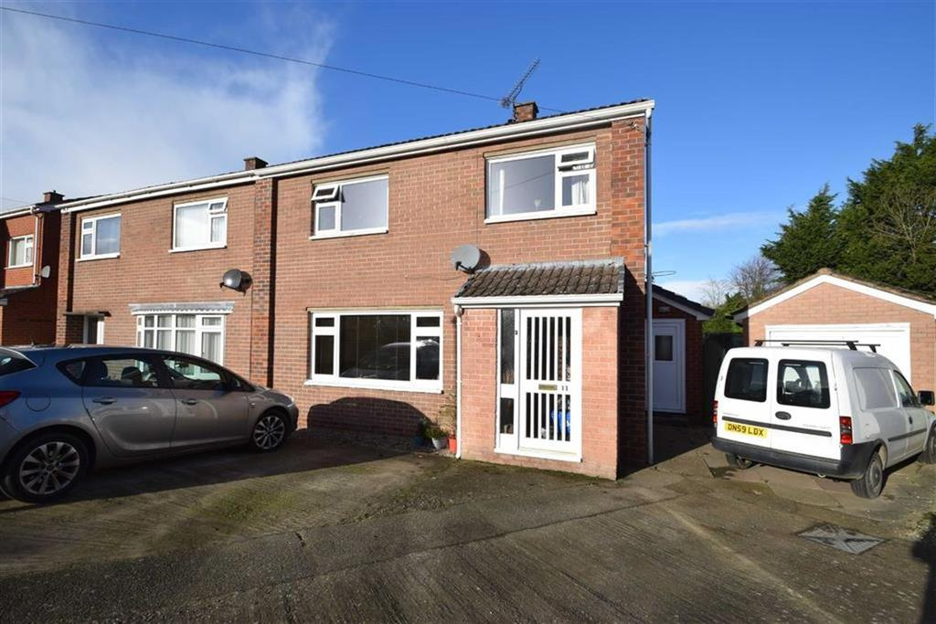 3 Bedrooms Semi Detached House for sale in Broseley Close, Sutton Farm, Shrewsbury
