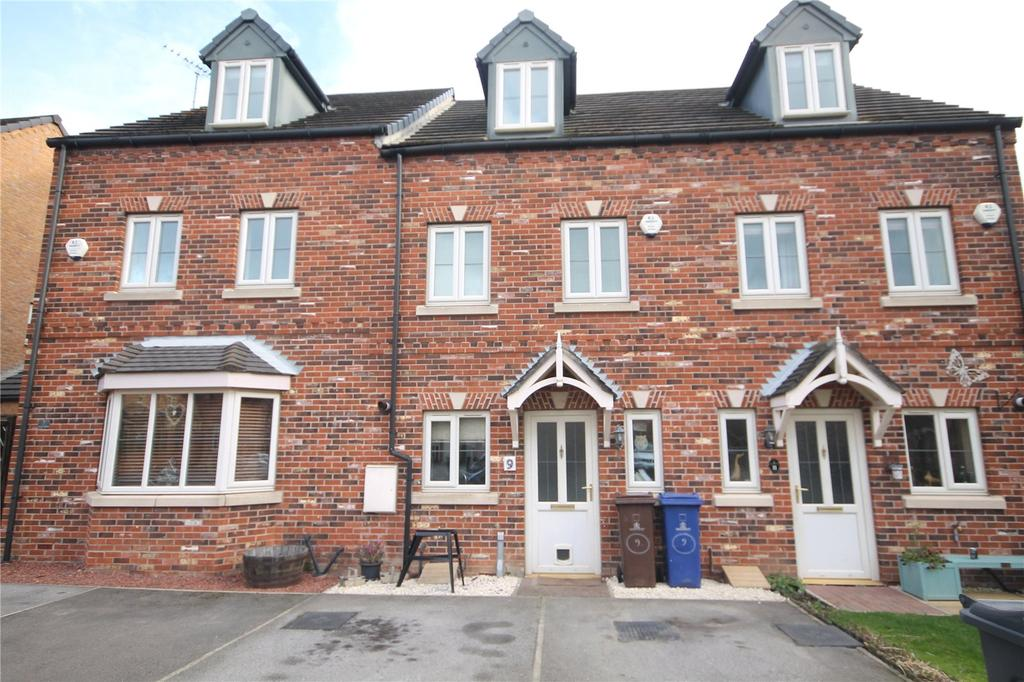 3 Bedrooms Terraced House for sale in Low Folds, Monk Bretton, Barnsley, S71