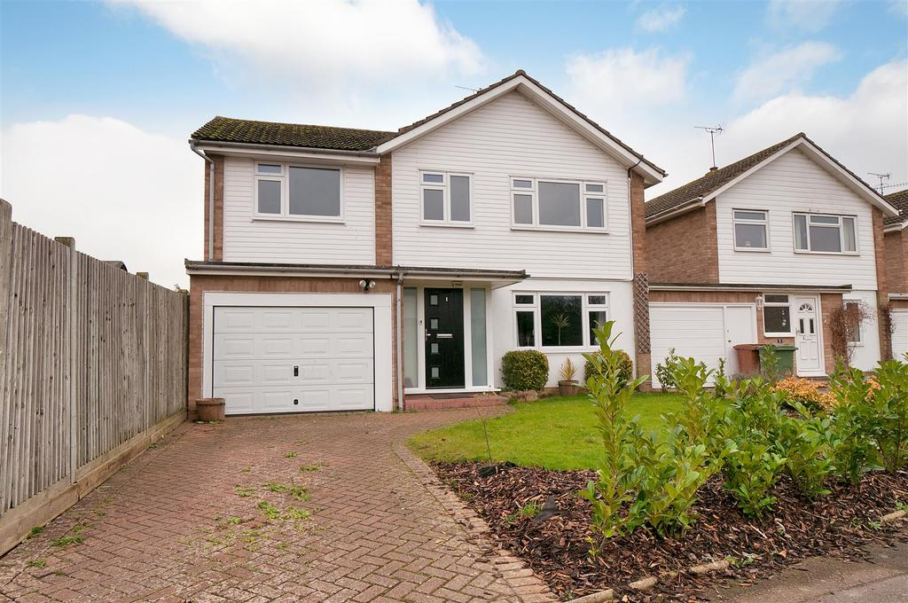 4 Bedrooms Detached House for sale in Oaklea Road, Paddock Wood, Tonbridge
