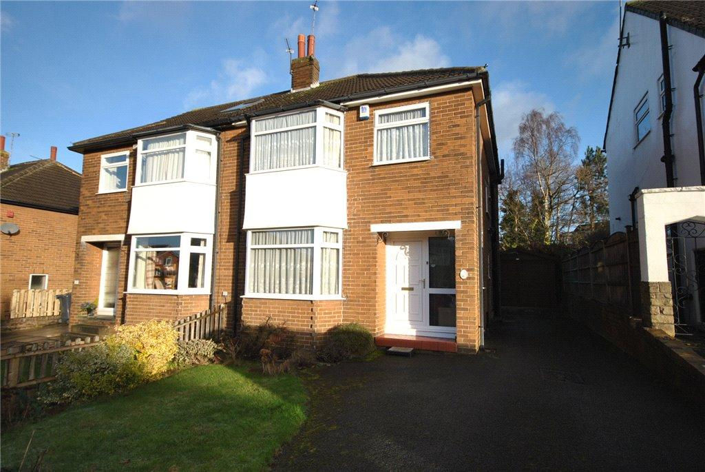 3 Bedrooms Semi Detached House for sale in Kirkwood Crescent, Cookridge, Leeds