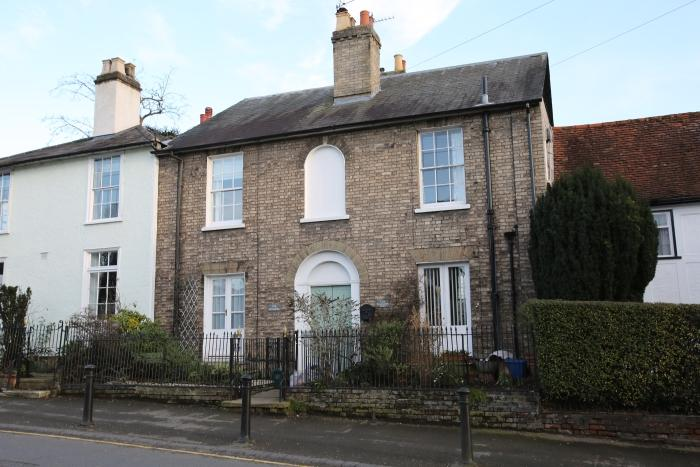 3 Bedrooms Unique Property for sale in 104 HIGH STREET, ONGAR CM5