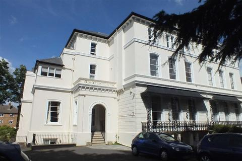 2 bedroom flat to rent - Pittville Circus Road, Pittville, Cheltenham