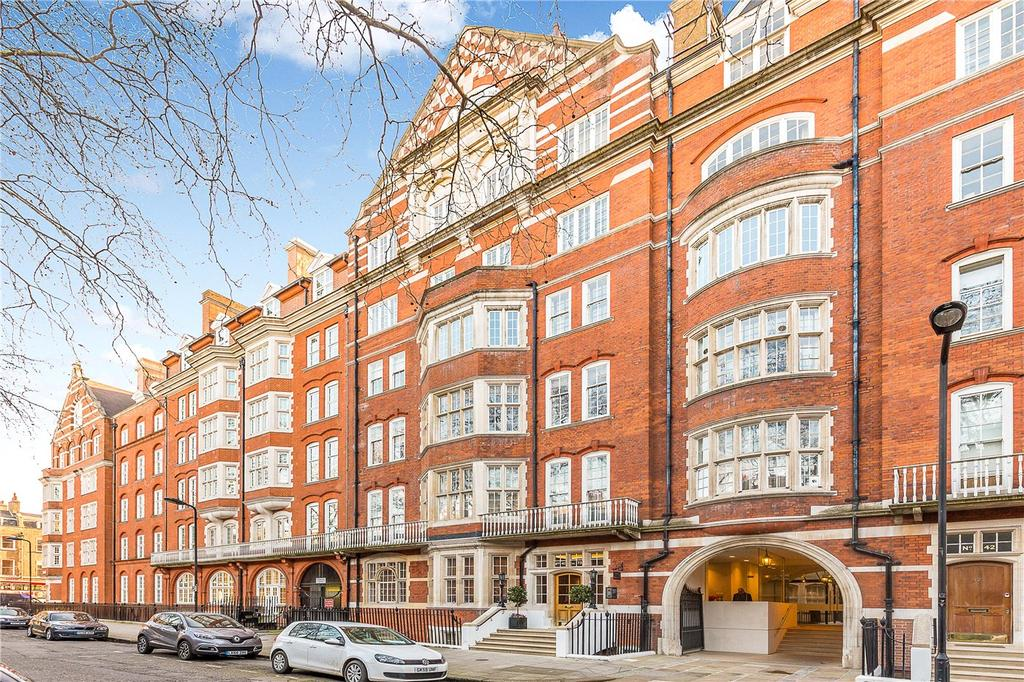 1 Bedroom Flat for sale in Bedford Court Mansions, Bedford Avenue, London, WC1B