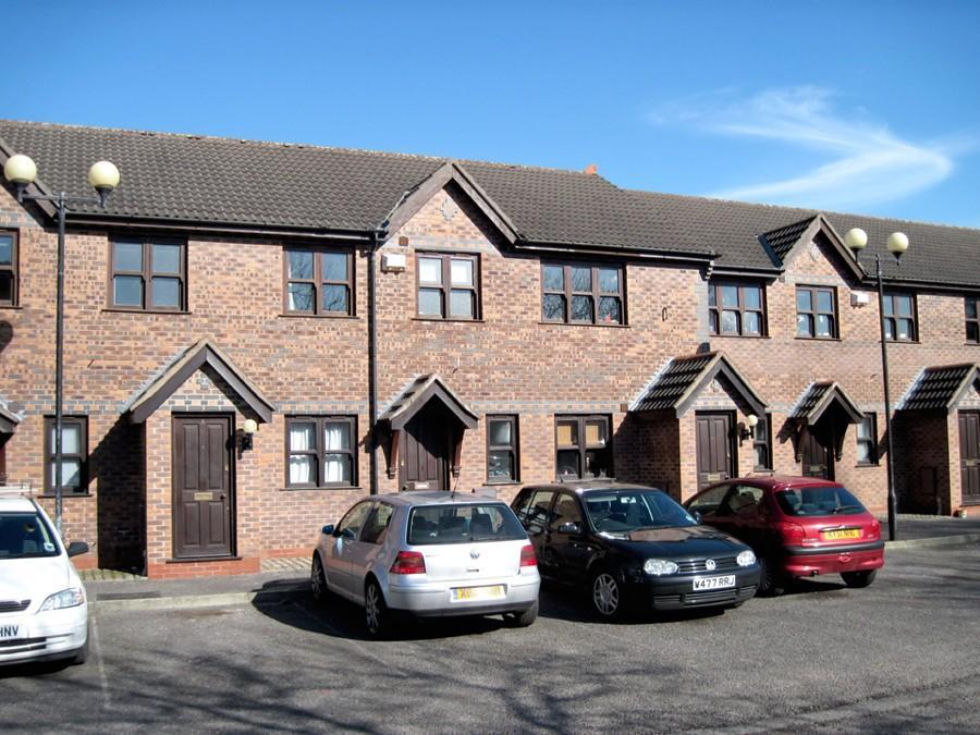 3 Bedrooms Apartment Flat for rent in Elladene Park, Chorlton