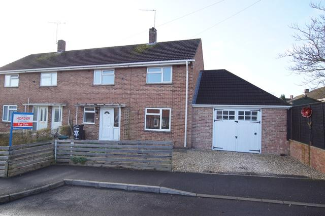 3 Bedrooms Semi Detached House for sale in Hunt Road, Blandford Forum