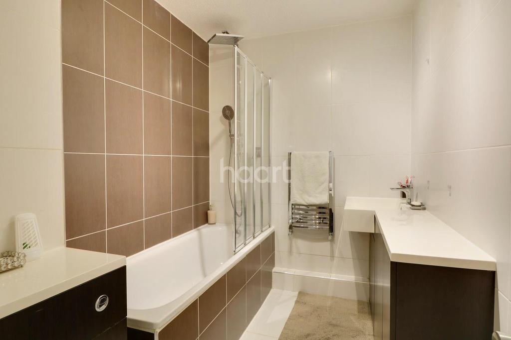 2 Bedrooms Flat for sale in Wembley Park Drive, Wembley Park