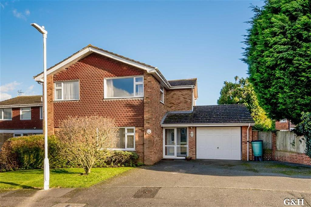 4 Bedrooms Detached House for sale in Brendon Drive, Ashford, Kent