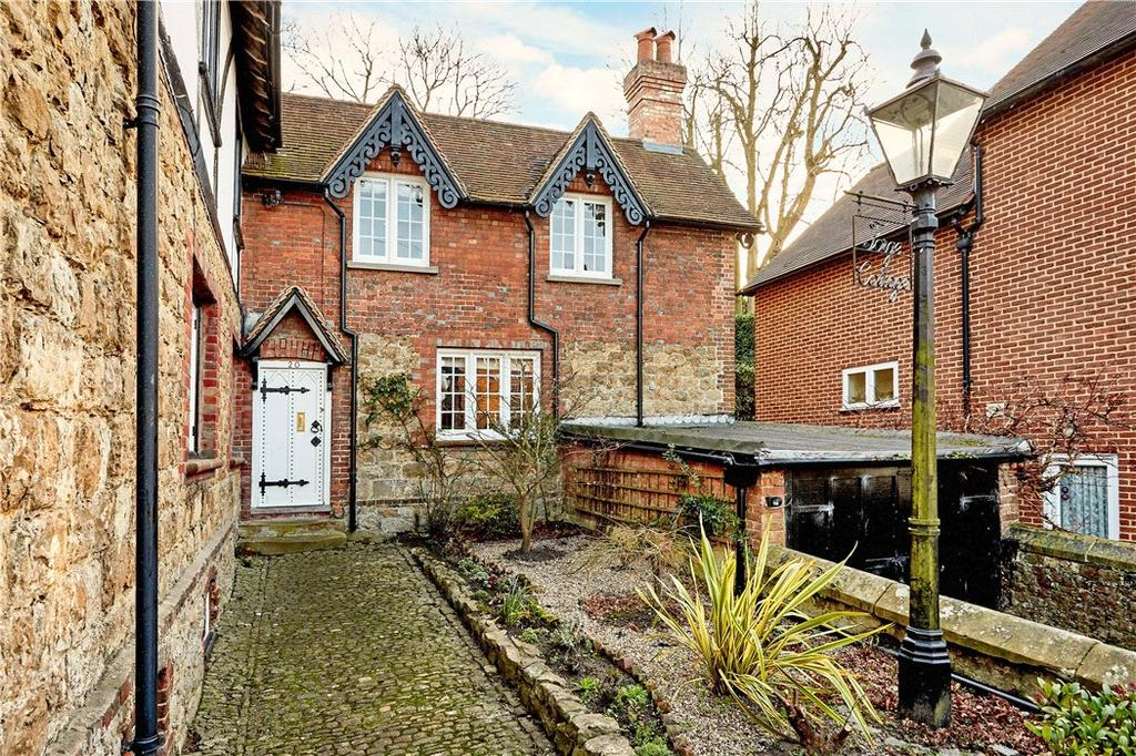 3 Bedrooms Terraced House for sale in High Street, Chipstead, Sevenoaks, TN13