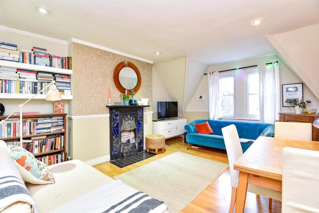 2 Bedrooms Flat for sale in Tetherdown, Muswell Hill