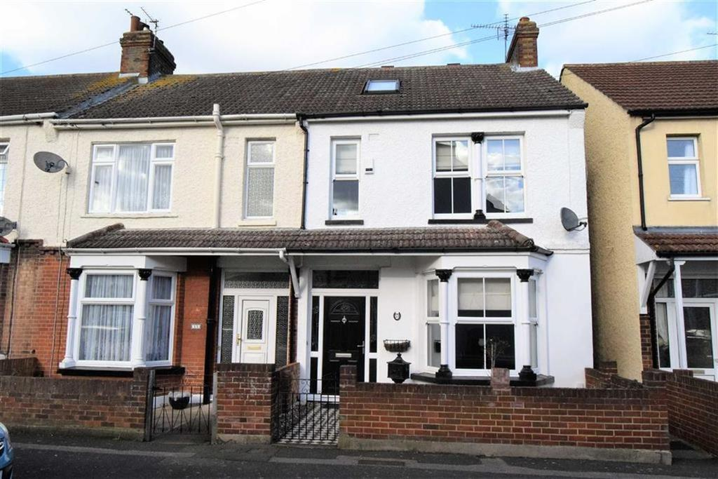 3 Bedrooms End Of Terrace House for sale in Seaton Road, Gillingham