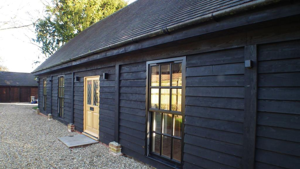 2 Bedrooms Detached House for rent in BRASTED