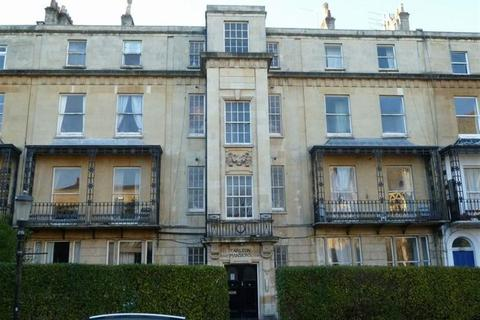 4 bedroom flat to rent - Carlton Mansions, Flat 3