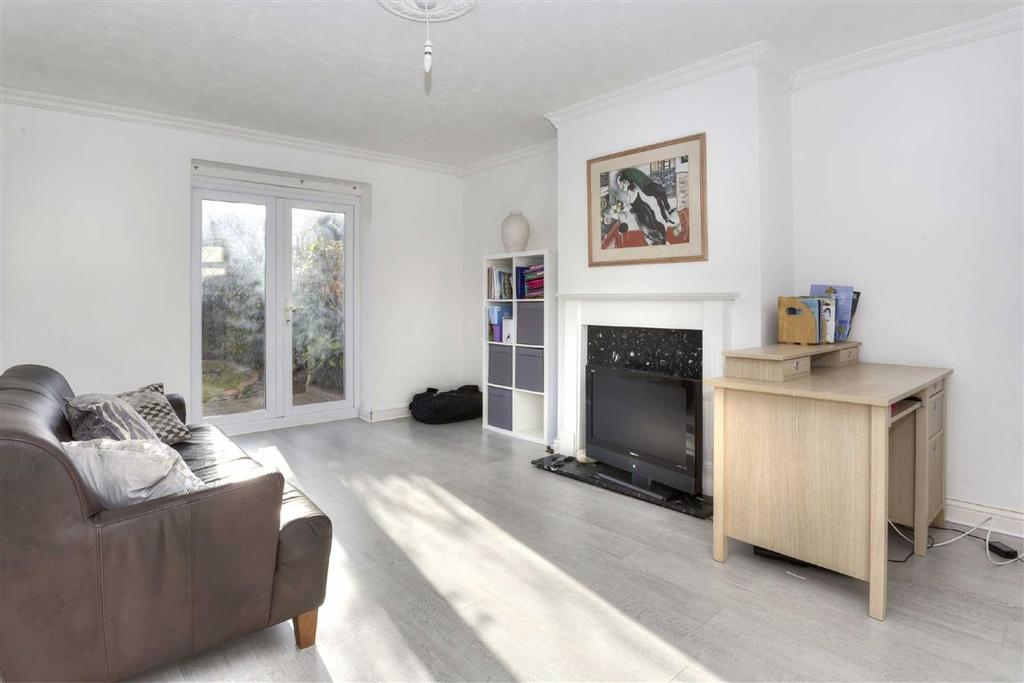 3 Bedrooms Semi Detached House for sale in St Michaels Road, Brighton