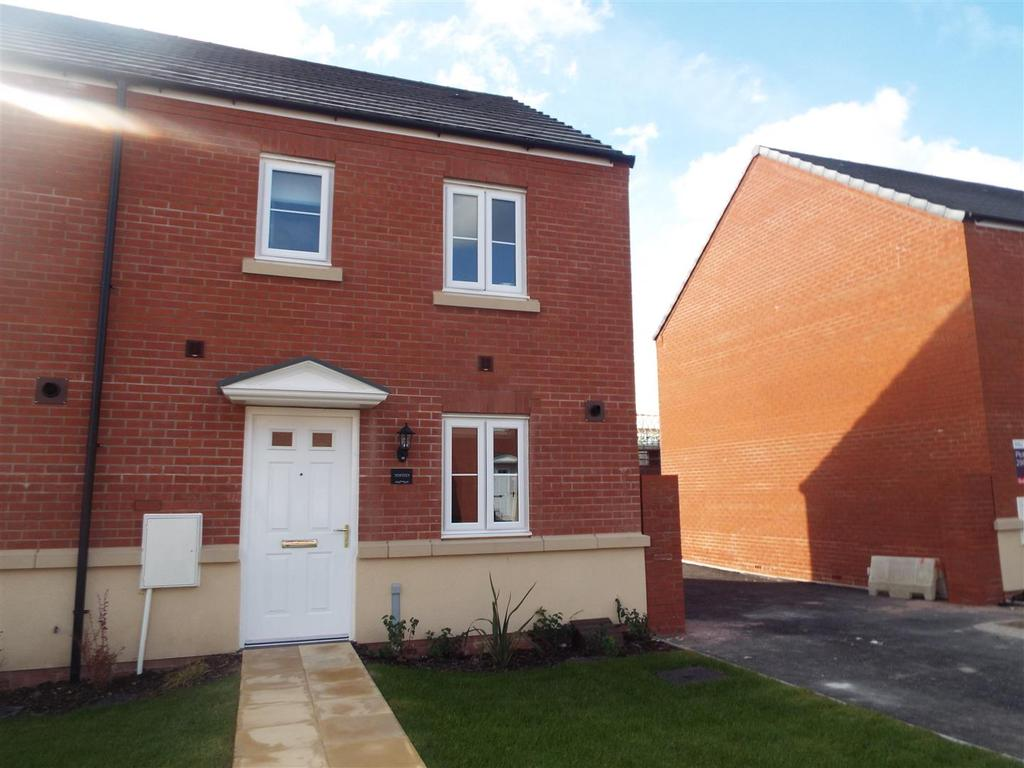 3 Bedrooms Semi Detached House for sale in Stryd Bennett, Parc Y Strade, Llanelli