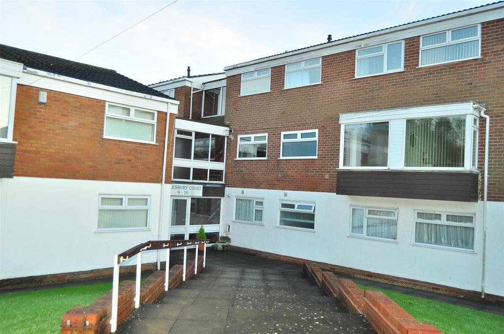 2 Bedrooms Apartment Flat for sale in Ombersley Road, Halesowen