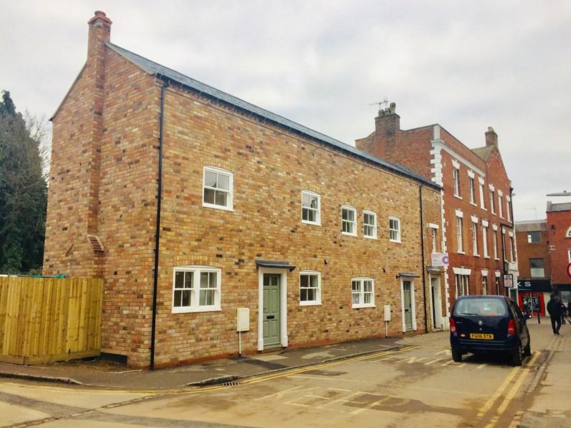 3 Bedrooms Semi Detached House for sale in Cowl Street, Evesham