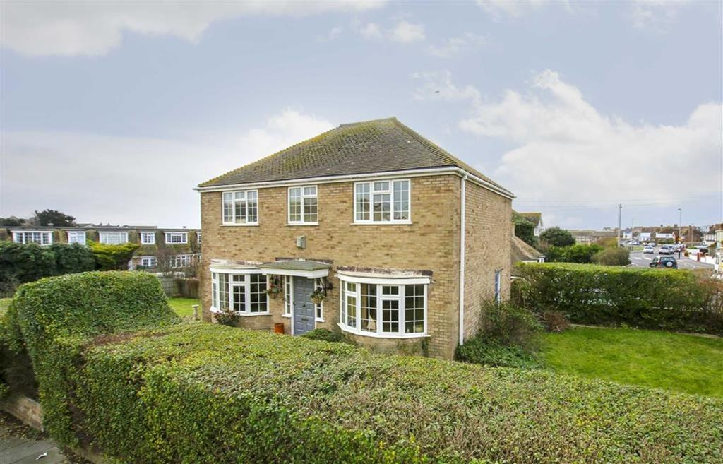 4 Bedrooms Detached House for sale in Fitzgerald Avenue, Seaford