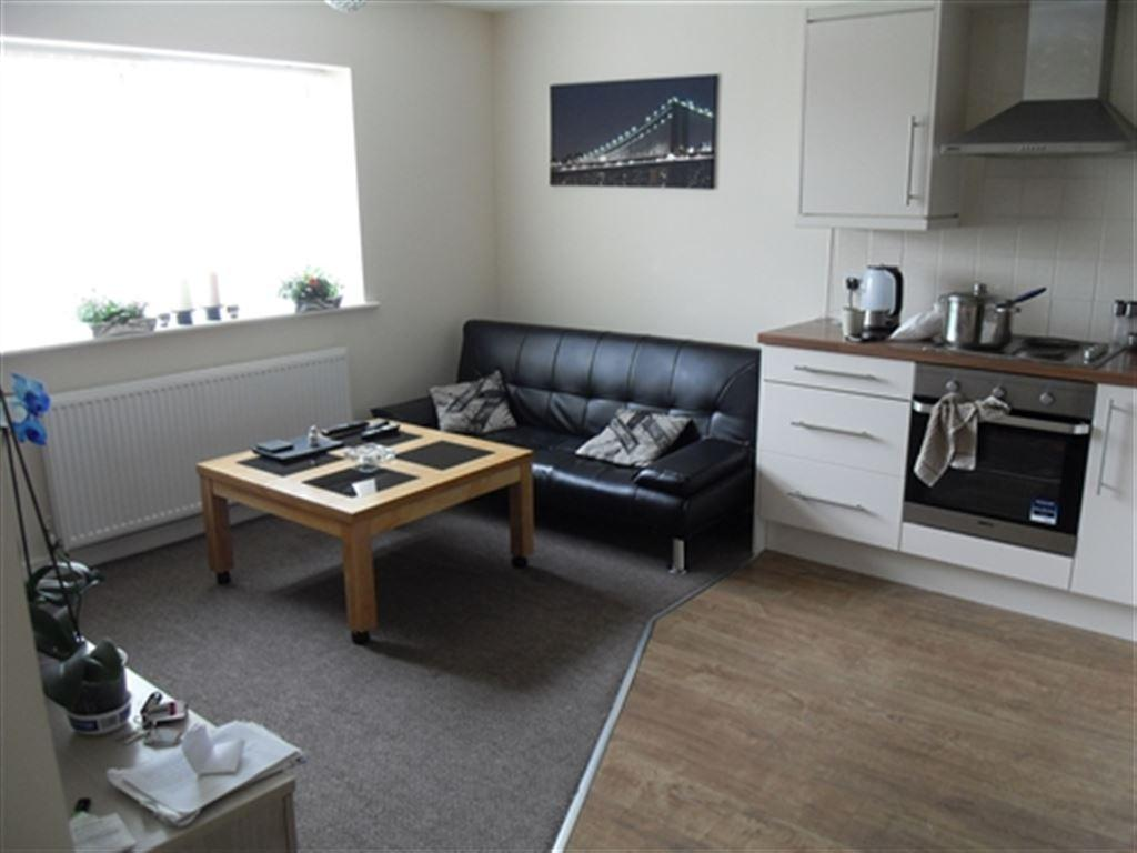 2 Bedrooms Flat for rent in Rose Mews, Hull, East Yorkshire